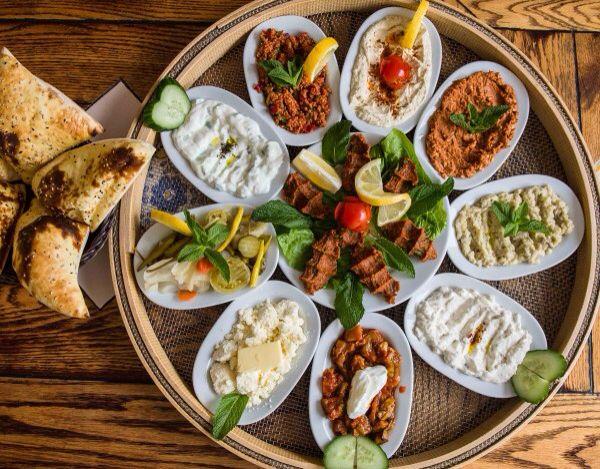 Turecké meze na českém silvestrovském stole
